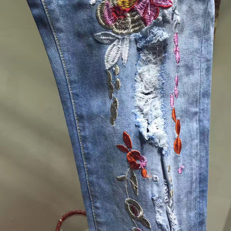 New Arrived Summer Fashion 2017 Jeans with Embroidery Flowers Print Pencil Pants jeans High Quality jeans woman Skinny Denim