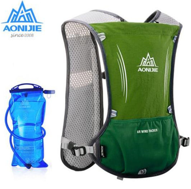 19d7f29c4c AONIJIE Men Women Lightweight Running Backpack Outdoor Sports Trail Racing  Marathon Hiking Fitness Bag Hydration Vest Pack 5L