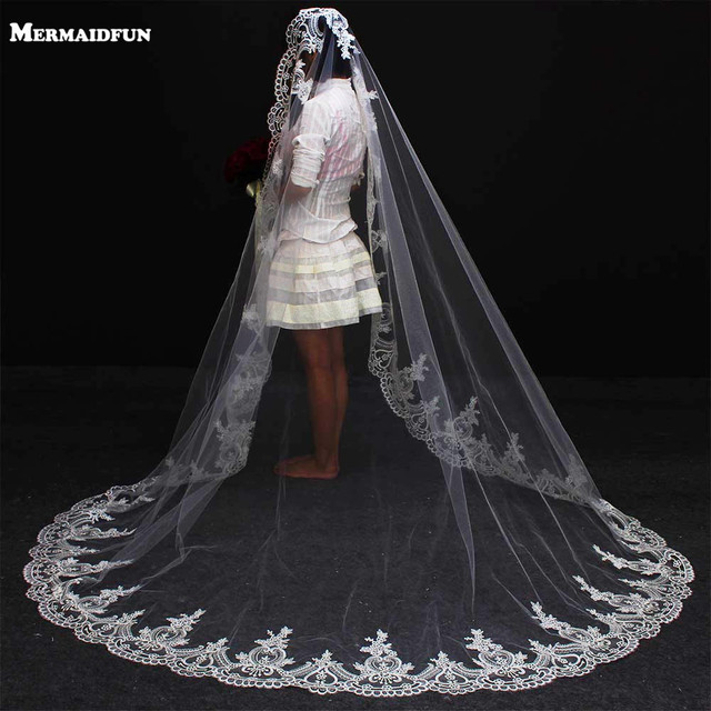 2017 Real Photos One Layer Lace Edge Chapel Wedding Veil With Comb Beautiful White Ivory Mantilla