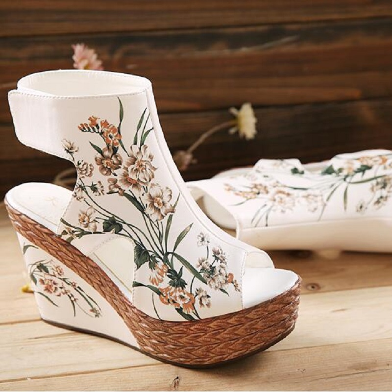 2018 Super High Heels Waterproof Peep Toe Flowers Women Sandals Female Summer National Style Painted Open The Toe Shoes 20180118