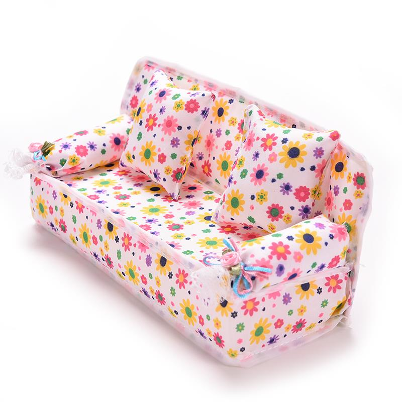 Cute Miniature Doll House Furniture Flower Cloth Sofa With 2 Cushions For Doll Kid's Play House Toys