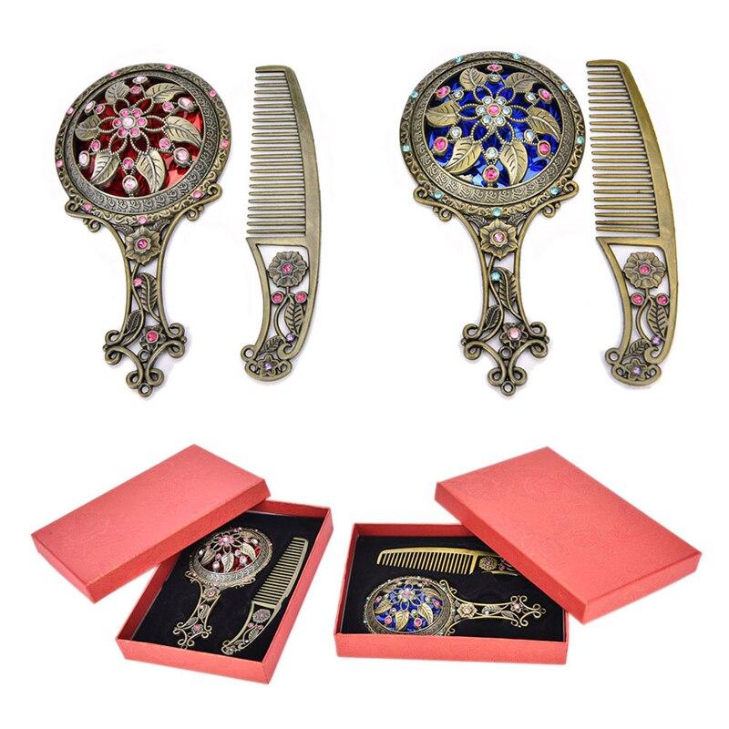 Ehrlich Zufällige Farbe 2 Teile/satz Retro Bronze Handheld Spiegel Hohl Kosmetische Kompakte Spiegel Kamm Set Mit Geschenk-box Schminkspiegel Schönheit & Gesundheit