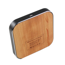 Universal Mini Portable Wood Qi Standard Wireless Charger Charging pad for Qi-enable Smart Phone