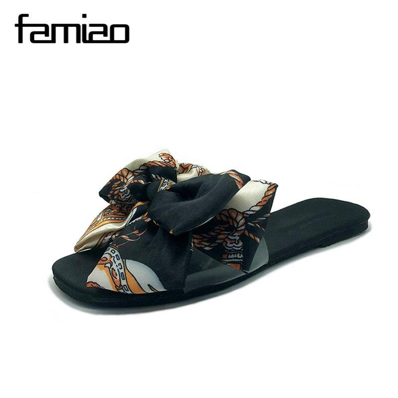 FAMIAO женские тапочки 2018 шелк принтом шлепанцы sapato feminino вьетнамки женские chaussures femme брендовые Домашние тапочки женская обувь
