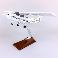 28CM 1:60 Scale Classic ESSNA 172 SKYHAWK Model W Base And wheels alloy aircraft plane collectible display model collection toy