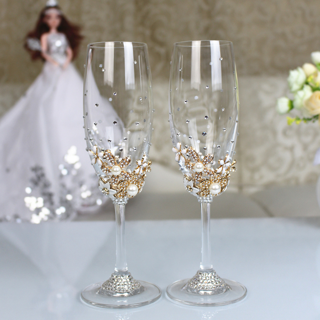 Wedding Champagne Glasses Bride And Groom Glasse With Diamond Crystal Rhinestone Decoration For Wedding Dinner Party Decoration In Party Favors From