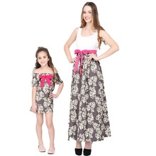 2019 New Fashion Family Matching Clothes Mother Daughter Flower Print Dress Summer Look Outfits