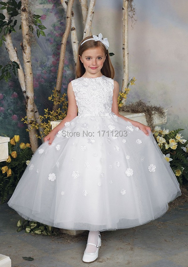 Holy White First Communion Dresses 2017 Cap Sleeve Appliques Ball Gown Long Flower Girls Dress Vestido De Primera Comunion Cheap