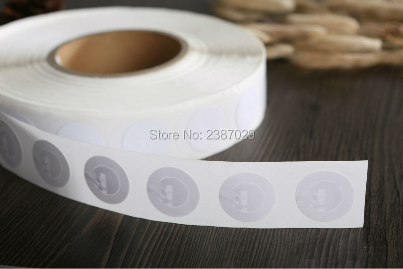 Dia 25mm Coated Paper NTAG215 NFC TAG NFC Forum Type 2 Tags 13.56mhz RFID NTAG215 NFC Label Stickers for NFC Mobile Phone