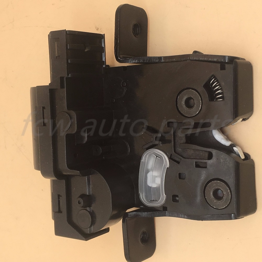 Rear Back TAILGATE BOOT TRUNK CENTRAL LOCK MECHANISM FOR NISSAN TIIDA Primera 90502ED00A  90502-ED00A