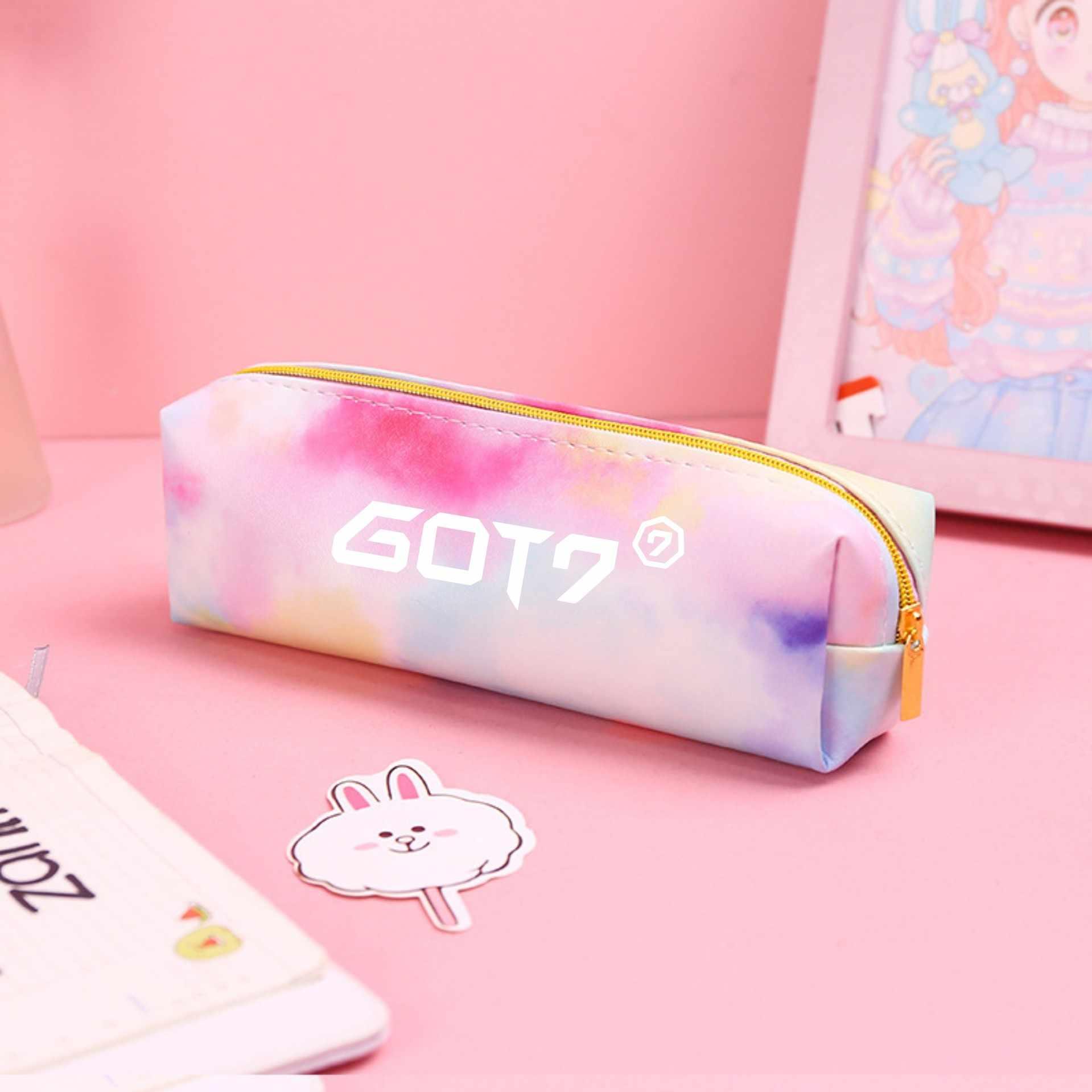 Kpop Exo dos veces Wannaone Got7 bolsa de lápiz de cuero caja de lápiz bolsa de maquillaje arcoíris bolsa de recepción cartera al por mayor nuevo