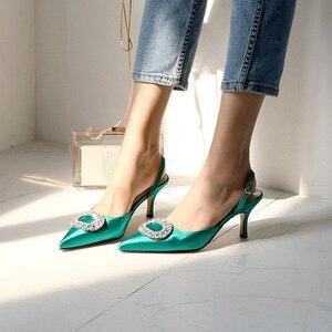 Image 3 - Mùa hè mới đế nhọn cao gót khóa đính kim cương giả giày Sandal Satin phiên bản Hàn Quốc của Hoang Dã Bao Đầu nữ thoáng mát Giày