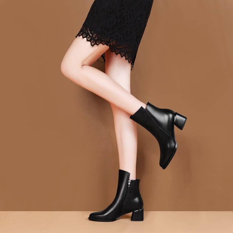 ZVQ รองเท้าผู้หญิง 2019 ใหม่ล่าสุดแฟชั่นคุณภาพสูงของแท้หนังรอบ toe สแควร์ส้นซิปสีดำข้อเท้า-ใน รองเท้าบูทหุ้มข้อ จาก รองเท้า บน   2