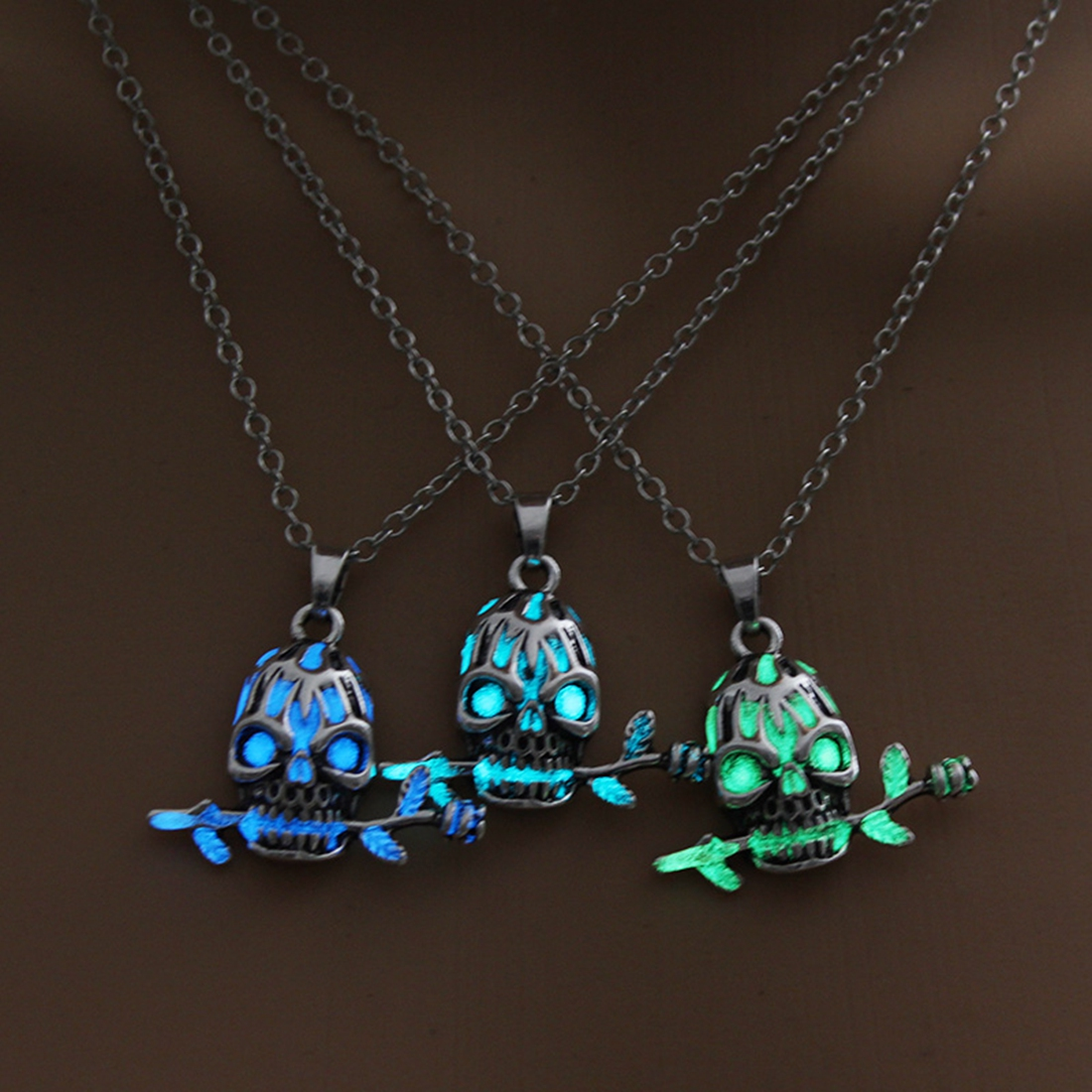 NEW Arrival Skull Bite Rose Flower Pendant Necklace Glow In The Dark Unique Necklace Fashion Jewelry Sweater Chain Luminous