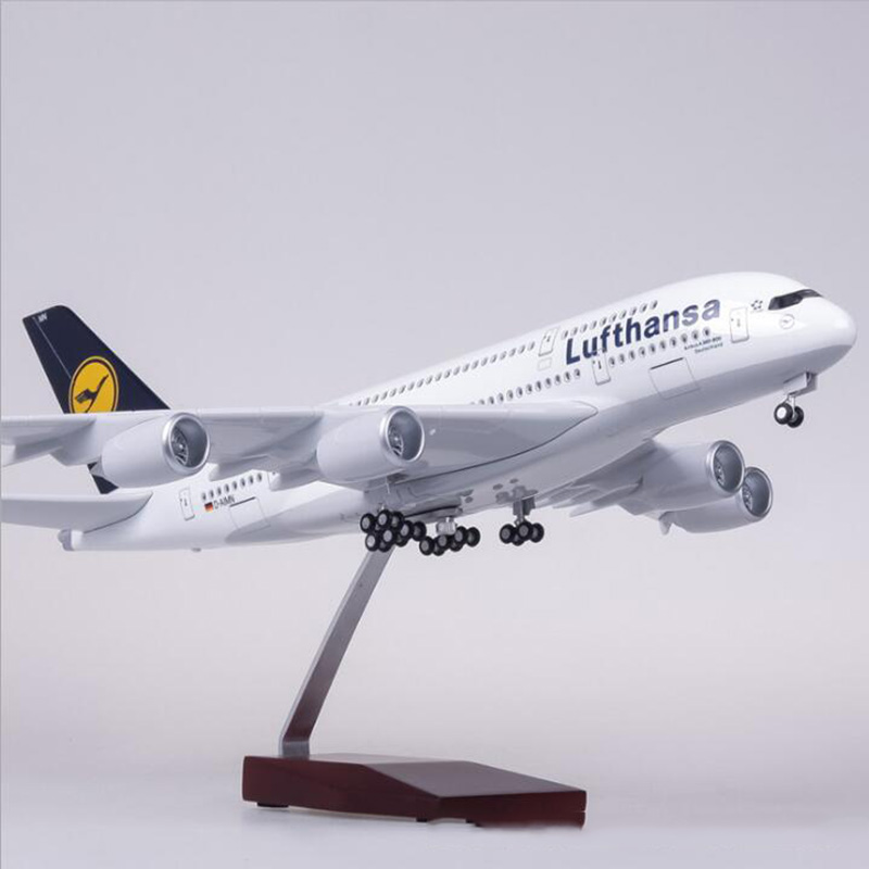 1 160 Scale 50 5CM Airplane Airbus A380 Lufthansa Airline Airways Model W Light and Wheel