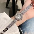 Nuevo diseñador de cristales completos relojes de joyería para mujer reloj de pulsera de diamantes de imitación de lujo flor de loto reloj de pulsera de cuarzo romano Montre