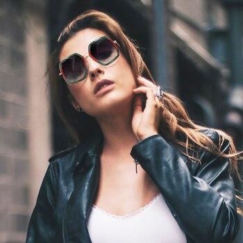 ロイヤル女の子特大 Laidies 正方形サングラス女性 2019 ブランドデザイナーの高級ビッグフレームミラーサングラス女性のための ss932