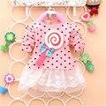 2017 Nueva Moda de Primavera y Otoño Suéter de Los Cabritos Piruleta Enormemente Versión Completa Dot Camiseta de Las Muchachas de Costura de Los Bebés Vestidos de encaje