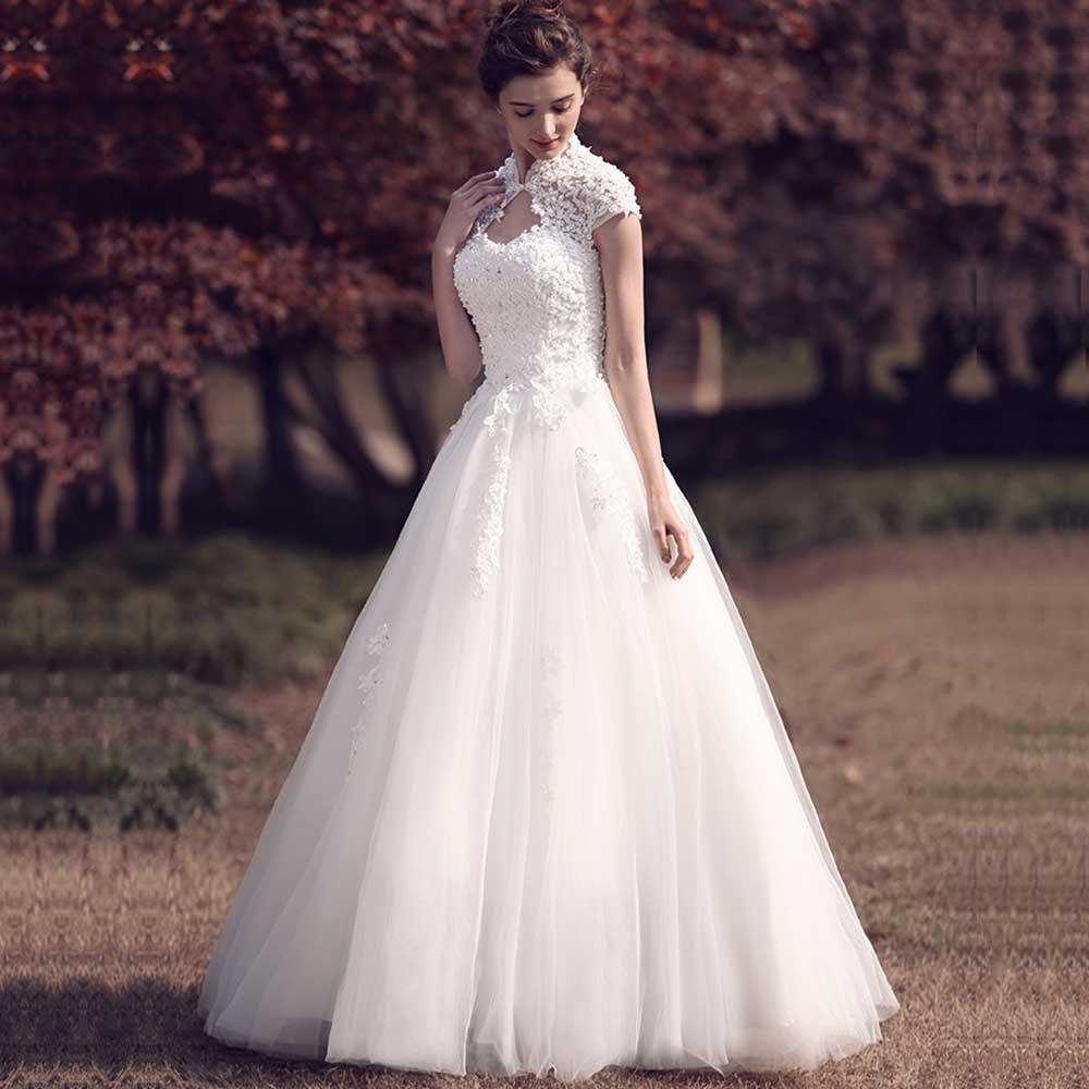 Dressv Elegant Sample V Neck Retro Wedding Dress Short Sleeves