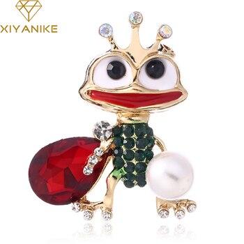 XIYANIKE New Enamel Rhinestone Brooch Pin Crystal Green Frog Brooches Women Animal Fashion Mujer Sweater Bjoux Clip Pins JBSW82 дамски часовници розово злато