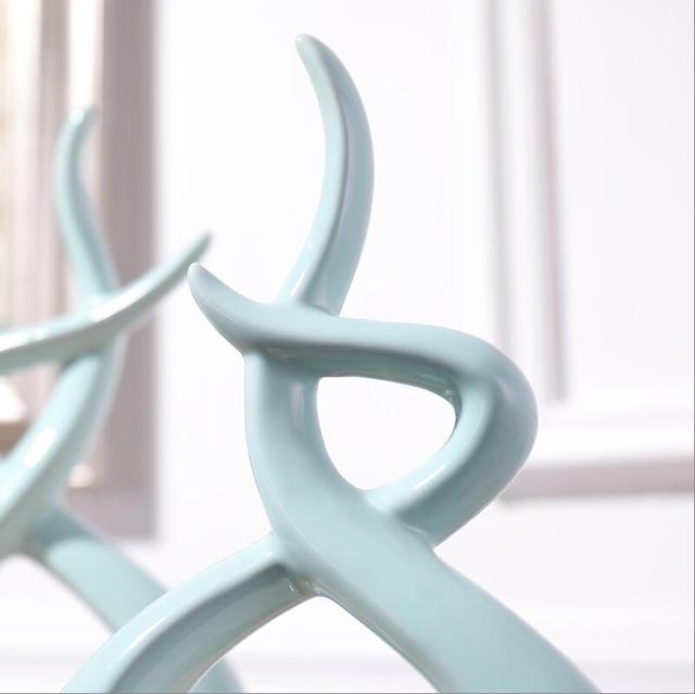 Modern European Ceramic Lover Shape Desktop Ornaments Home Furnishing Decoration Crafts Art Wedding Gifts Figurines Office Decor 6