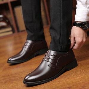 Image 4 - Zapatos de cuero de vaca de calidad para hombre, calzado de vestir suave, talla Extra 45, 46, 47, Punta abierta, 2020