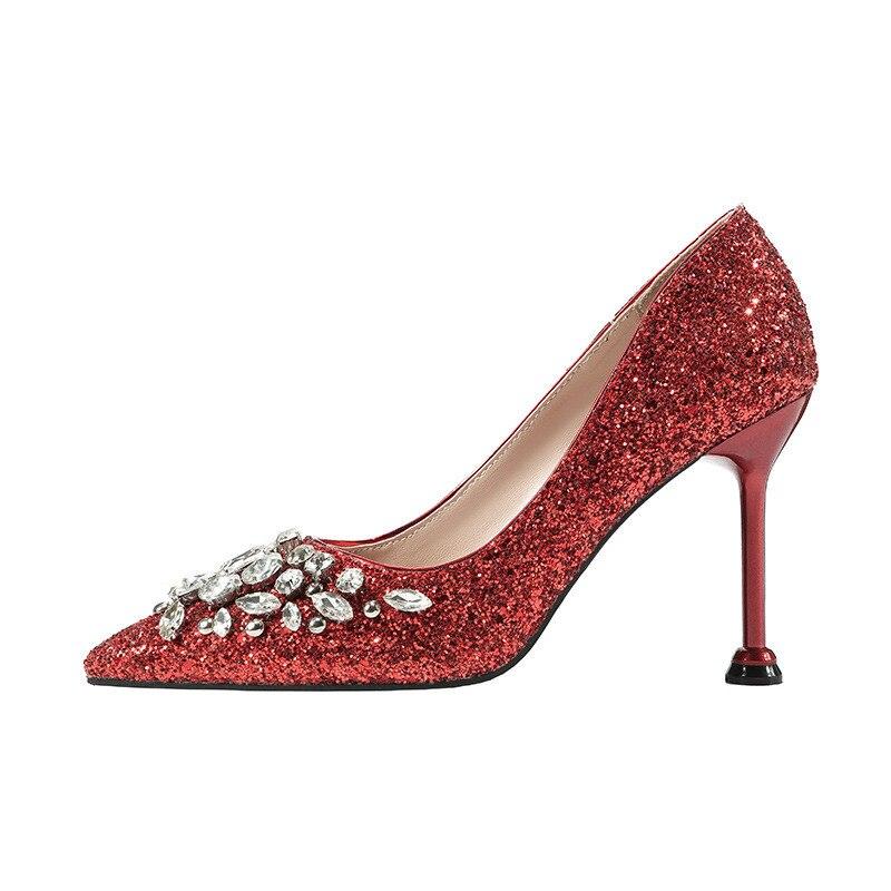 2019 г. весенне осенняя Новая женская обувь в европейском и американском стиле, с острым носком, на высоком каблуке, со стразами, красного цвет