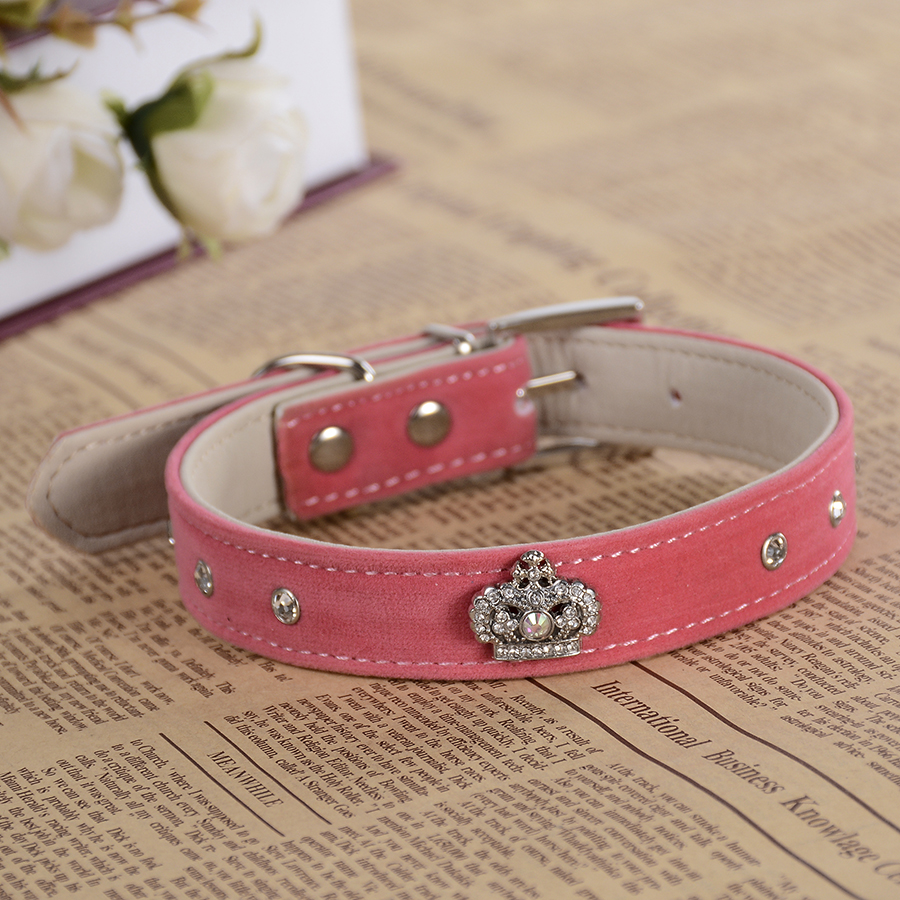 Fashion Rhinestone Collar Suede Leather Dog Collar Design Crown Accessory Collars For Small Dogs Pet Dog Supplies