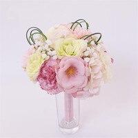 2017นุ่มสีชมพูประดิษฐ์โฮลดิ้งจัดงานแต่งงานดอกไม้ที่มีสีสัน