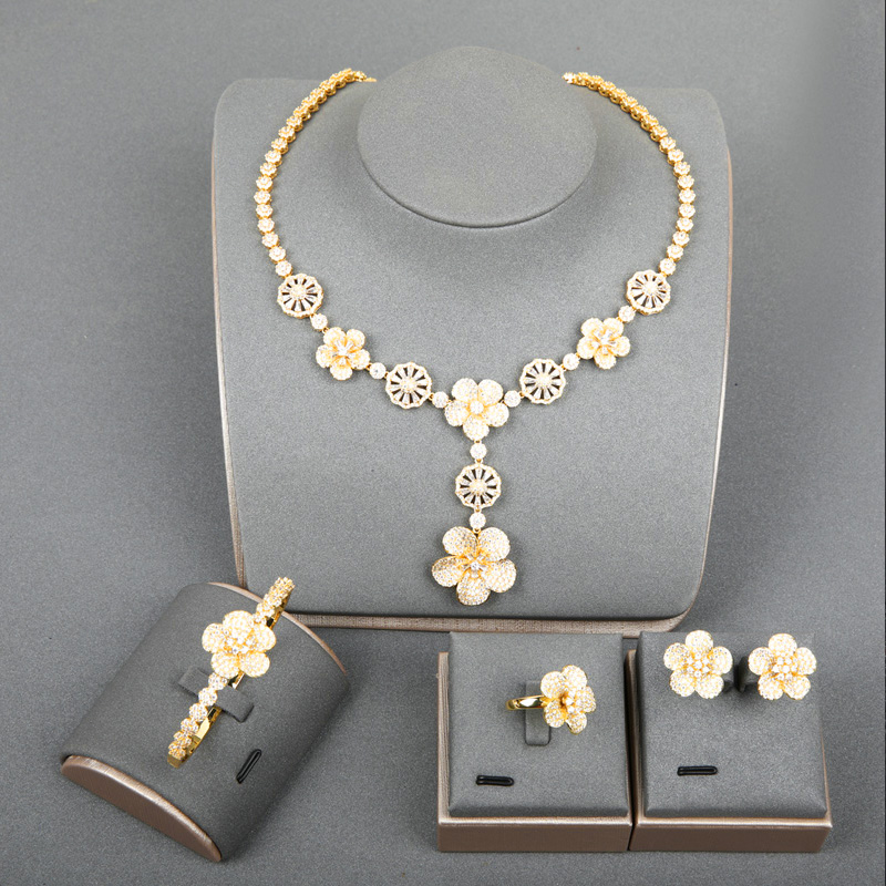 Dazz luxe Dubai or couleur fleur Fine Zircon pendentif bijoux ensemble collier boucles d'oreilles anneau bracelet femmes fête cadeaux de mariage 2019