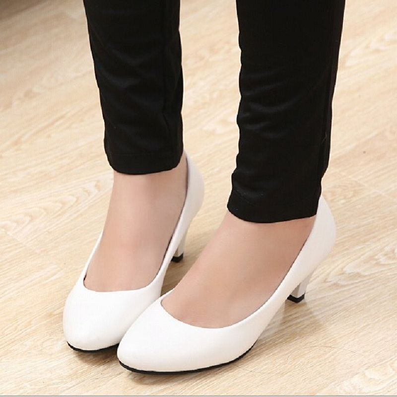Cheapest Low Kitten Heels Women Wedding Pumps Shoes Casual Patent Leather High  Heels Black White Red Color SHP41033-in Women s Pumps from Shoes on ... 8cda9746cdf6