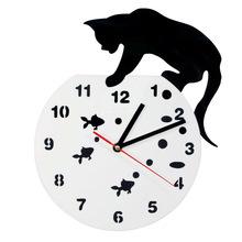 Kot na akwarium urocza Wall Art zegar ścienny kot i ryby wystrój domu Hunter Kitty Cat nowoczesny zegar ścienny kot zwierzęta miłośników prezent tanie tanio Zegary ścienne QUARTZ Igła Z tworzywa sztucznego Krótkie Streszczenie Akrylowe Salon Antique style Oddziela GEOMETRIC