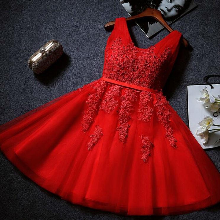 Коктейльные платья 2017 красное
