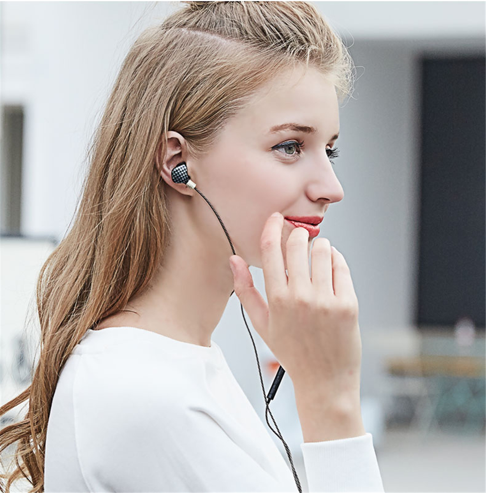 YINJW P8 3DB Three Dynamic Driver System Speakers HIFI Bass Subwoofer In Ear Stereo Sports Earphone Monitor Earbud Headset
