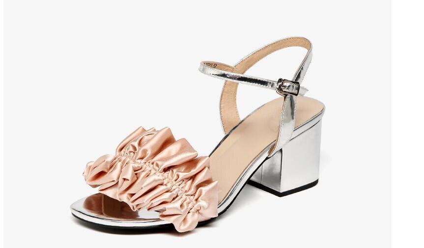 все цены на Newest brand women sandals pink sliver black wedding shoes summer buckle ruffles high heels sandals shoes sandalias mujer 2018 онлайн
