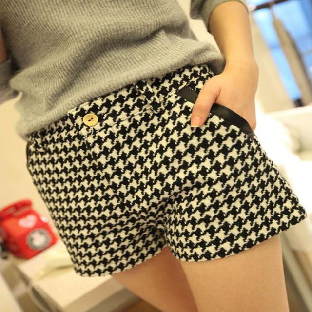 2016 Women's Fashion  Wild Plaid Woolen Plaid Shorts Boots  Shorts Junior D016
