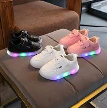 e0f4f857c0707 Nouveau Printemps Mode Enfants Chaussures Avec La Lumière Enfants Led  Chaussures Lumineux Rougeoyant Sneakers Bébé Enfant En Bas.