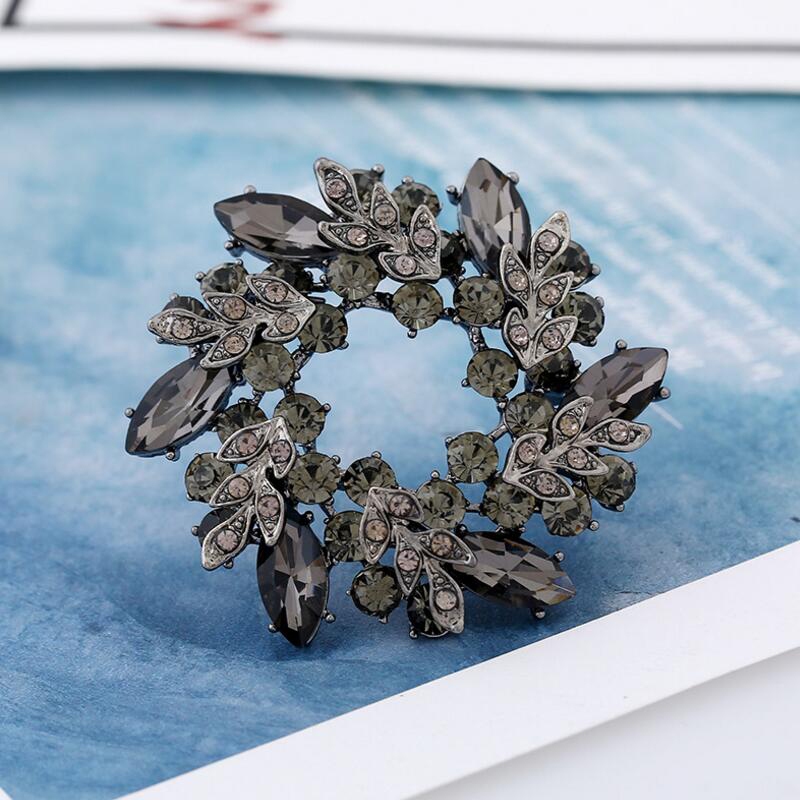 Morkopela Big Flower Crystal Brooch For Women Fashion Brooch Pin Bouquet Rhinestone Brooches And Pins Scarf Clip Jewelry in Brooches from Jewelry Accessories