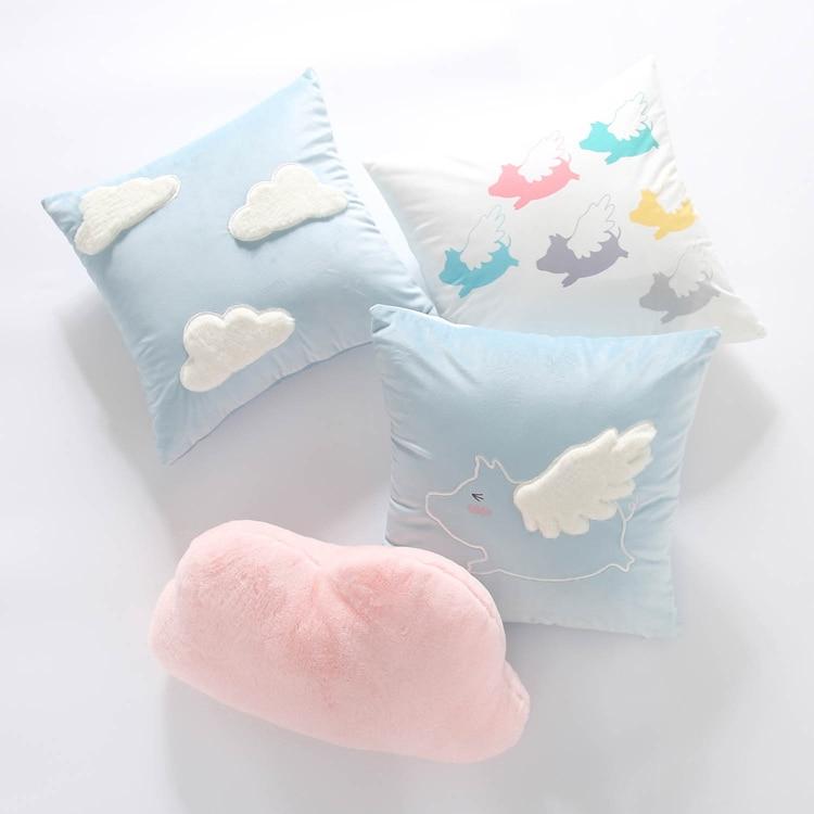 Us 1534 7 Off4545 Cm śliczne Błękitne Niebo Białe Chmury Poszewka Na Poduszkę Dekoracyjne Flying Pig Aksamitna Poduszka Pokrywa Notebooka Cloud