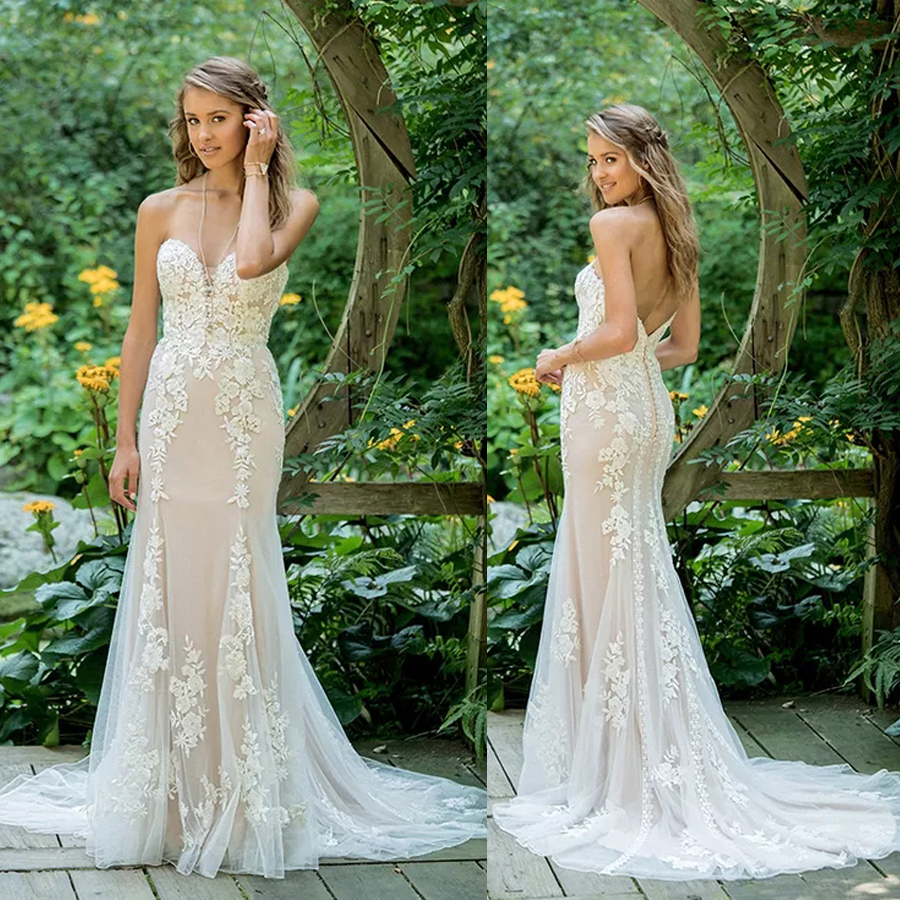 Strapless Lace Fit And Flare With Plunging V-Neck With Floral Appliques Wedding Dress Nude Sexy Mermaid Bridal Dress