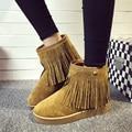 2016 Otoño Invierno Tobillo Botas de Mujer de Cuero de Gamuza Con Flecos Cortos de Felpa Caliente Zapatos de Los Planos Comfort Ocio Botines Punta Redonda Femenina