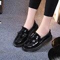 Nueva Madre de La Moda de Las Mujeres Zapatos de los Planos de Deslizamiento En Punta Redonda Cuero de Vaca Genuino De Patentes de piel de Invierno de la Felpa Caliente Ocasional Superstar FS-1602