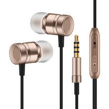 Stereo 3.5mm Wired Earbuds headphone MetalEarphones Noise Canceling Headphone for iphone Smartphone wholesale P30