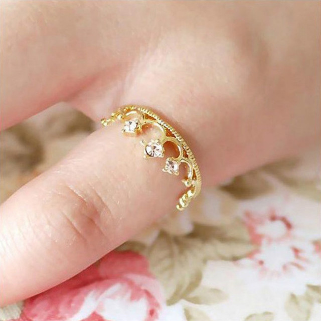New Fashion Hot Crown Ring Jewelry Sparkling Elegant Choke Mouth Small Pepper Wi