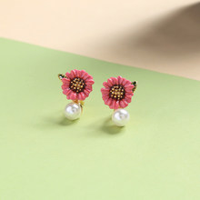 Korean Style Romantic 3 Color Flower Ear Clip Earrings For Women Daisy Simulated Pearl Earring Jewelry Accessories In Box(China)