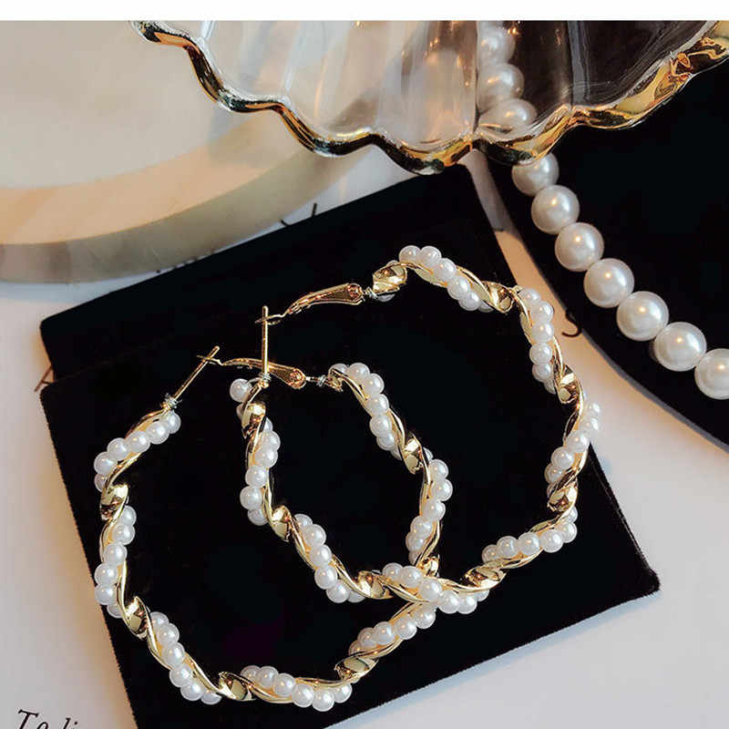 Exaggerated pearl circle around the big circle ear ring for Women Korean Minimalist Earrings Jewelry Accessories wholesale