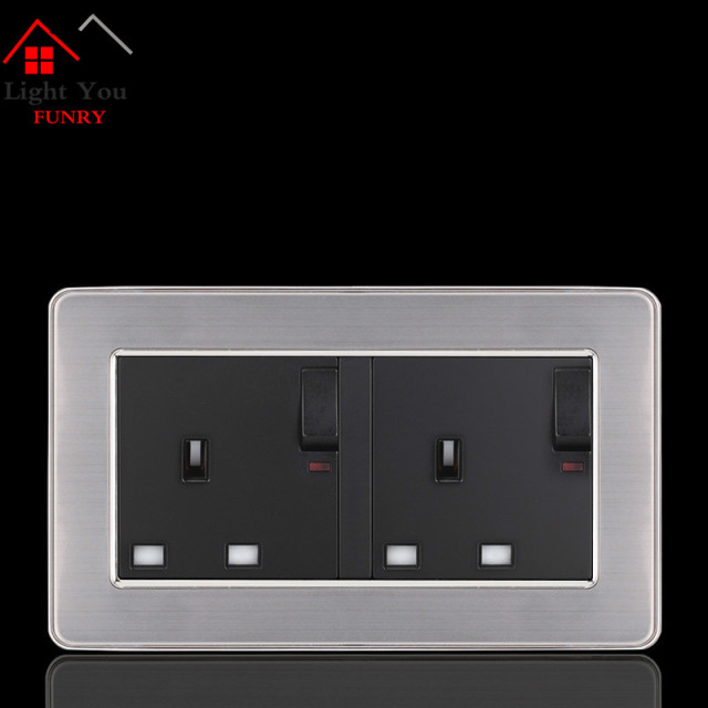 13A English Wall Socket with Switch British Standard Socket Style Type 146 Phone charging 2 USB interface 146*86mm