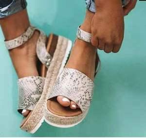 Image 5 - Plus Größe 2019 Keile Frauen Sandalen Sommer Keil Heels Schuhe Plattform Wohnungen Schuhe frauen Casual Sandalen Zapatos De Mujer