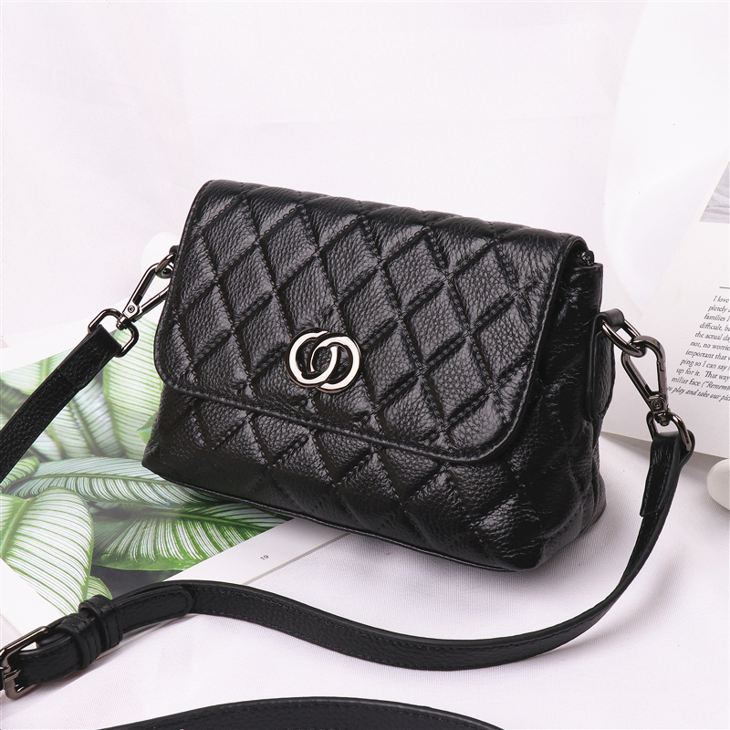 Lizi Lotus cowhide bag 2019 spring and summer new simple rhombic small fragrance leather handbags diagonal