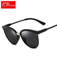 RBRARE 2018 Clássico Simples de Plástico Óculos de Sol Do Olho de Gato  Óculos De Sol Das Mulheres de Luxo Retro Clássico óculos . b11fc77c5f